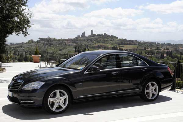 Alquiler de coches de lujo con conductor en Madrid