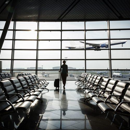 transfer-aeropuerto-madrid-barajas-con-chofer-de-lujo
