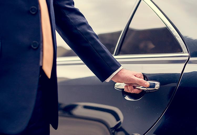 Alquiler coche con conductor barato Madrid