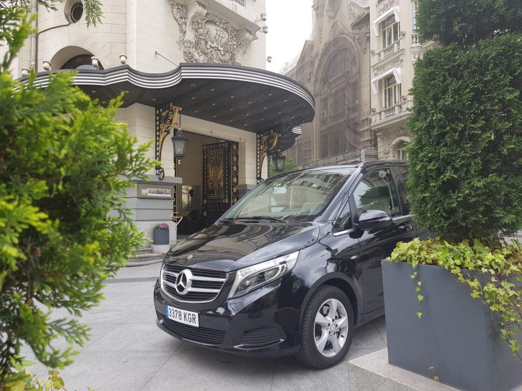 Mercedes Benz Clase V en el Hotel Palace
