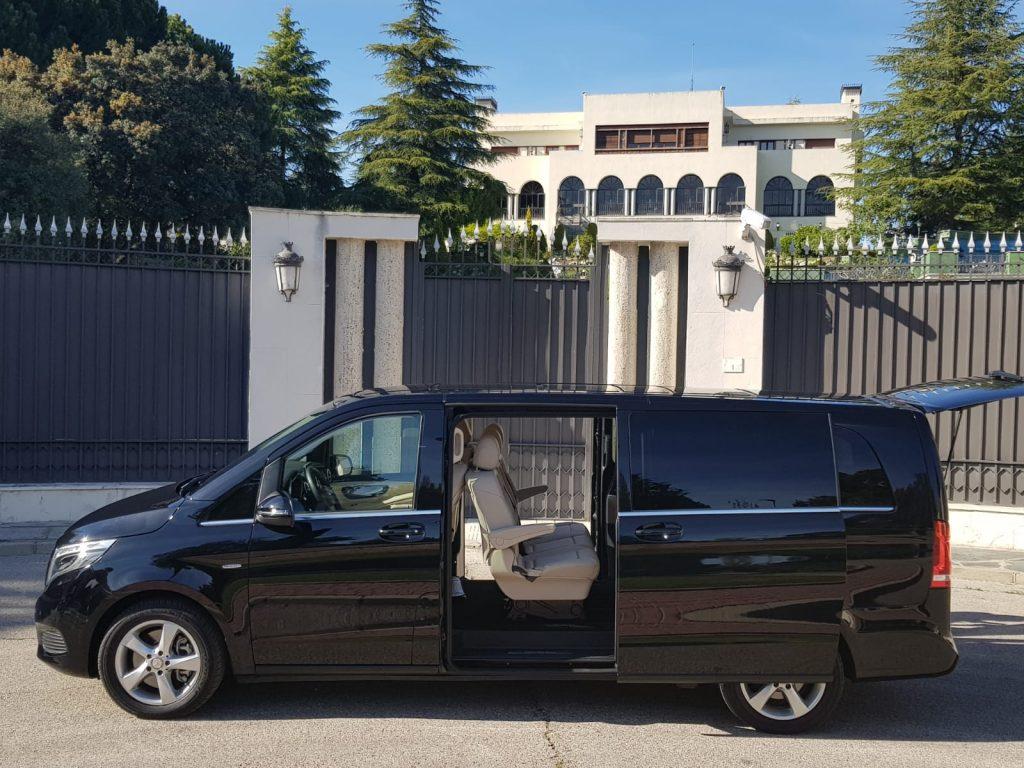 Mercedes Benz Clase V en la Moraleja